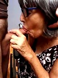 Saggy granny loves to suck cock
