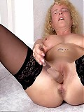 MILF loves to play with toys for your pleasure
