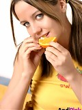 Teen babe eats oranges!