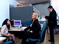 Office sluts Amber and Avalon seducing delivery guy
