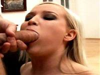 Gal in heat lets a dick enter in her mouth & cum on her..
