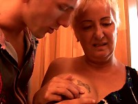 Horny aged floozy sucks two dicks and getting fucked
