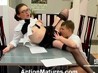 Randy mature babe and her younger co-worker having crazy fuck at lunch time