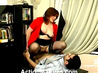 Freaky milf helps younger guy spread her legs and impale her pussy on cock