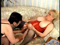 Sexy granny lesbians licking clit