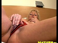 She loves drilling her clit to a highlight
