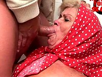 Old slut in sucking and pissing action