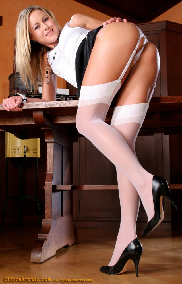 Blonde secretary in stockings apologise, but