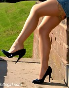 Catherine makes a walk in stockings and heels Picture 15