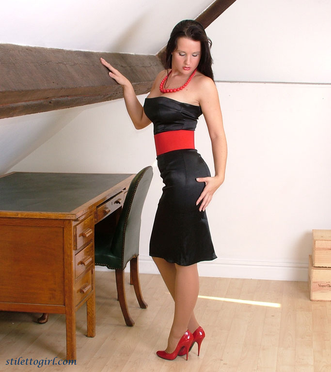 Milf shoe dangling 02 3