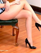 Charlotte in shiny pantyhose and black pumps Picture 10