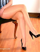 Charlotte in shiny pantyhose and black pumps Picture 14