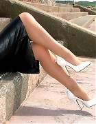 Linda take a rest in the sun and show her long sexy legs Picture 13