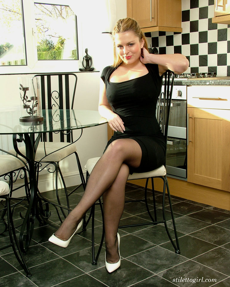 Stiletto Girl Sey Sara Wearing White High Heels And Nylon Stockings