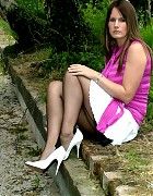 Catherine show her fully fashion nylons and with pumps Picture 5